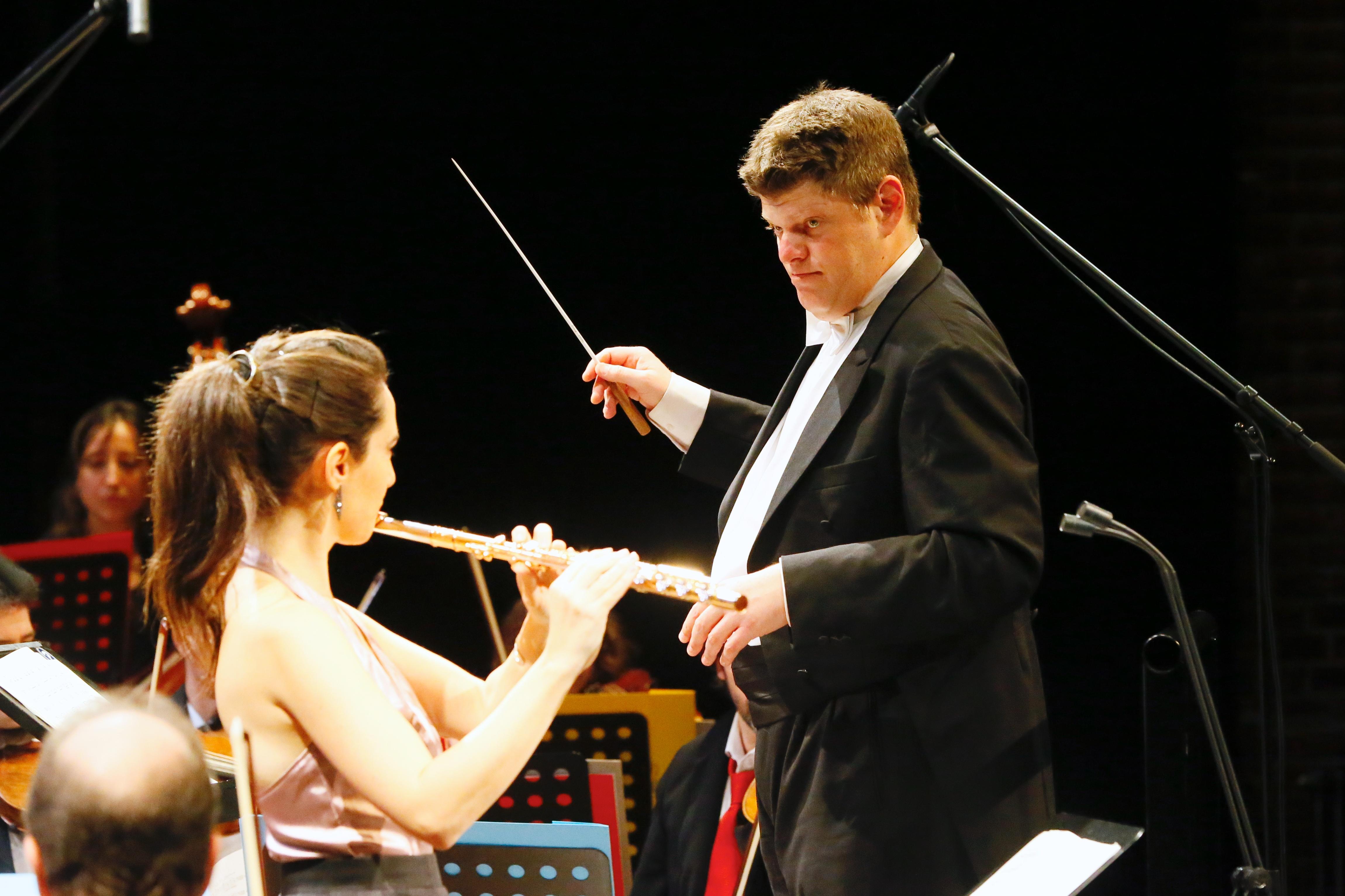 11_Guy-Braunstein_ID-Festival_Orchester_16.10.2015_(c)Danny-Kurz
